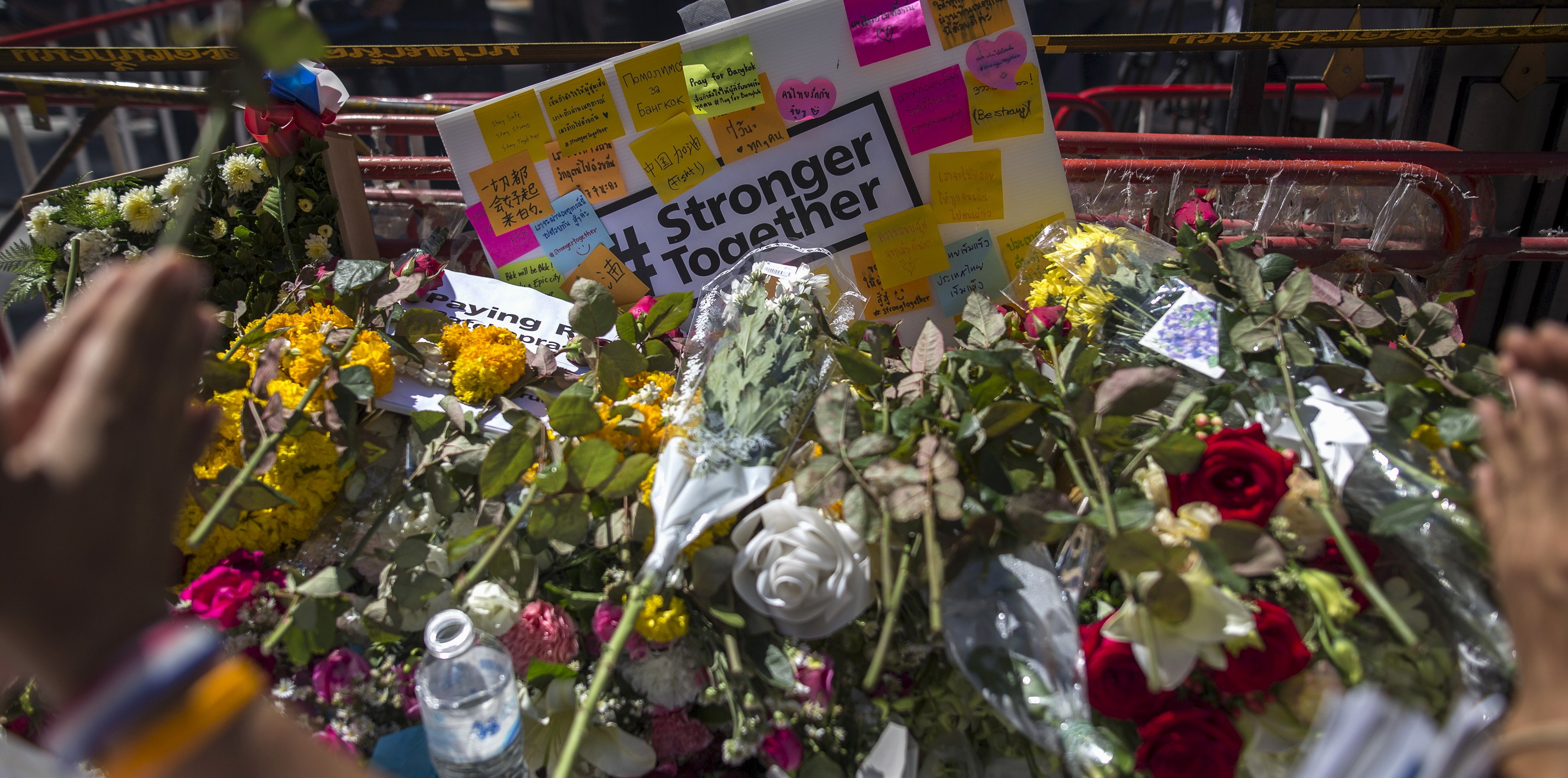 Tributo a las víctimas del atentado de Bangkok