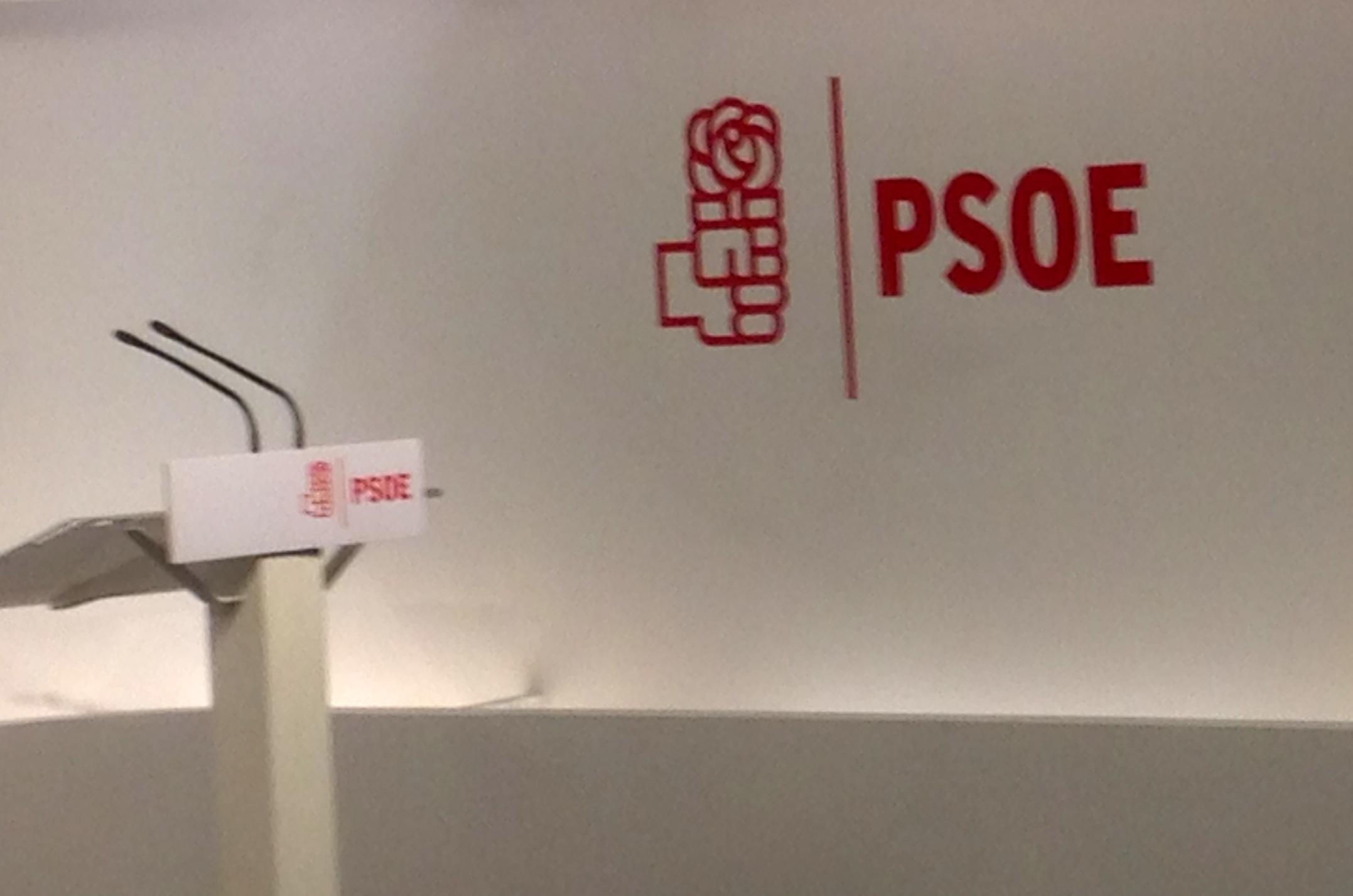 PSOE puño y rosa