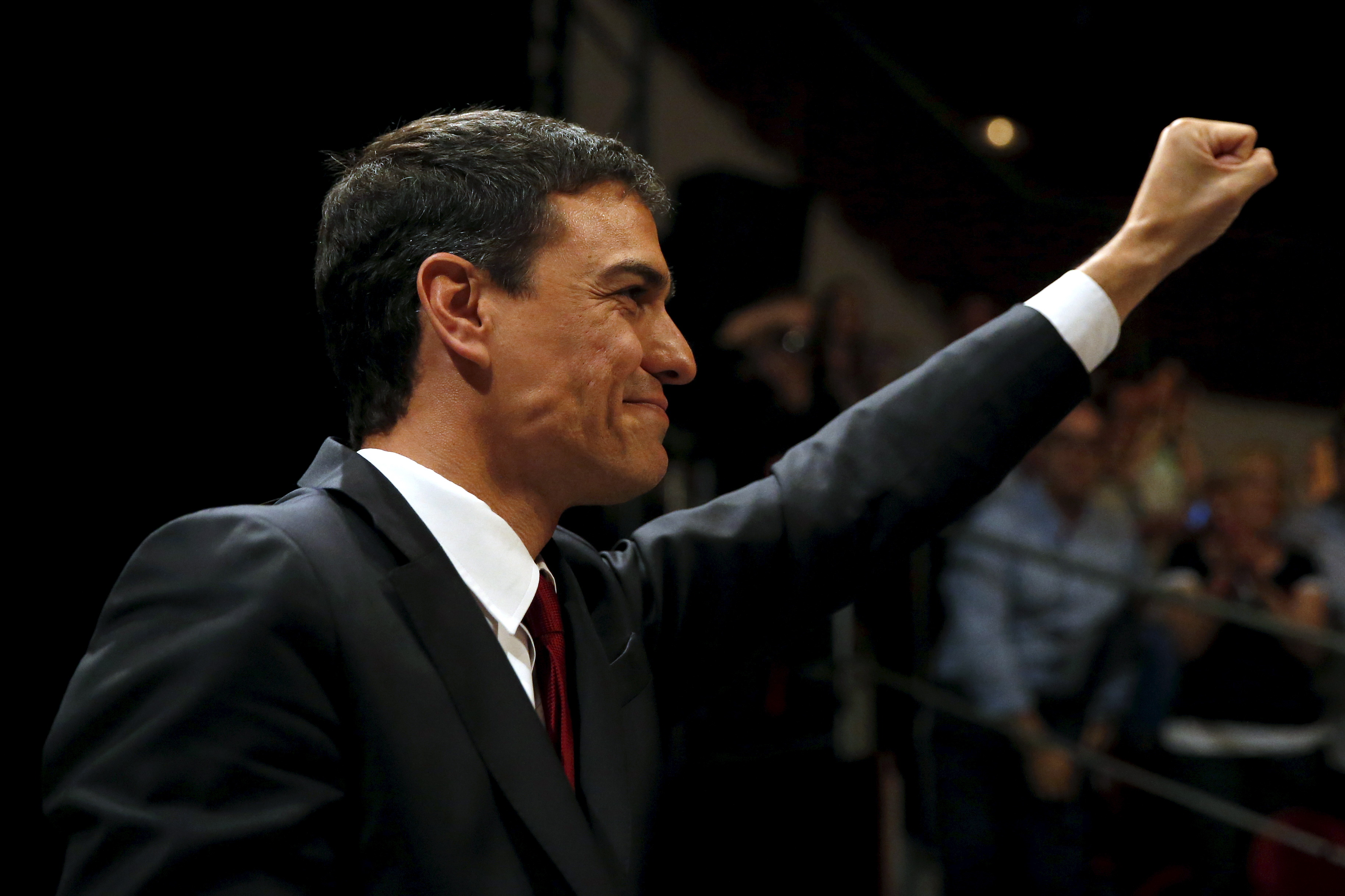 Spain's Socialist Party PSOE leader Pedro Sanchez gestures during a meeting in Madrid, Spain, June 21, 2015. Spain's opposition Socialists on Sunday named party leader Sanchez to run for prime minister in a general election, due by the end of the year, which is expected to be a close race against the ruling conservatives and newcomer parties. REUTERS/Juan Medina - RTX1HGHX