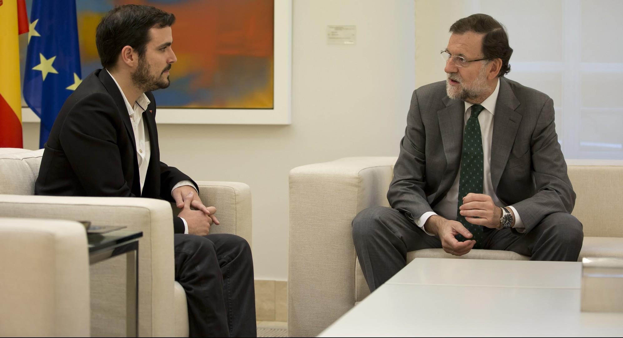 l Presidente del Gobierno, Mariano Rajoy,  recibe al dirigente de Izquierda Unida Alberto Garzón Fotografía: Diego Crespo / Moncloa Presidencia del Gobierno