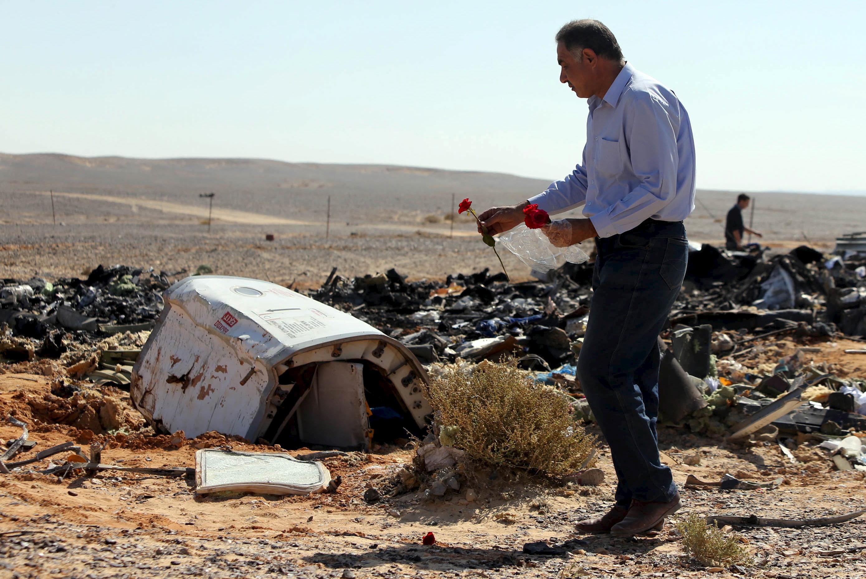 Restos del avión ruso siniestrado en el Sinaí. | Reuters