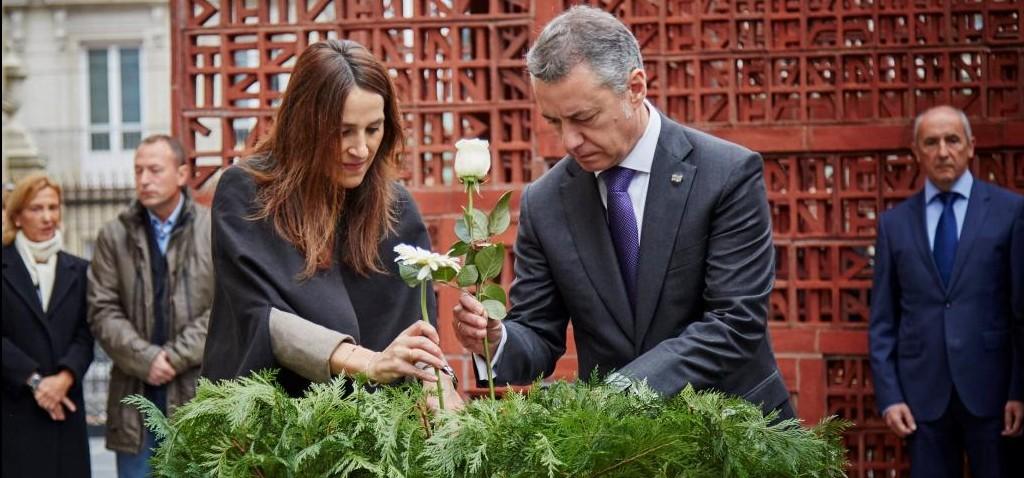 Celebración del Día de la Memoria en el Parlamento Vasco.