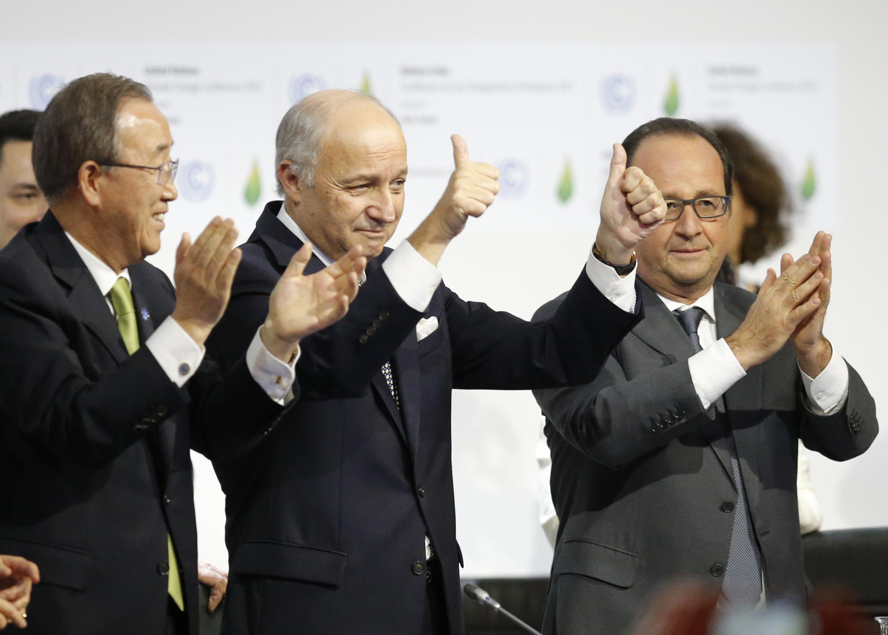 Ban Ki-moon, Laurent Fabius y Francois Hollande. | Reuters