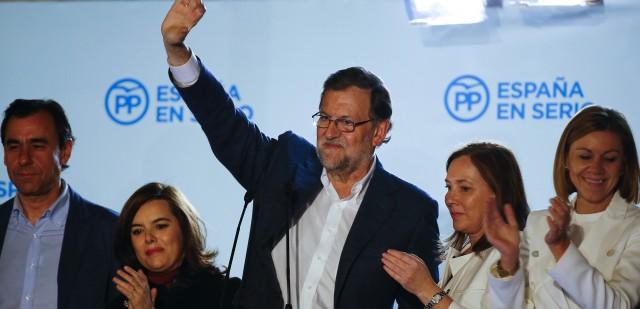 Mariano Rajoy en el balcón. Reuters