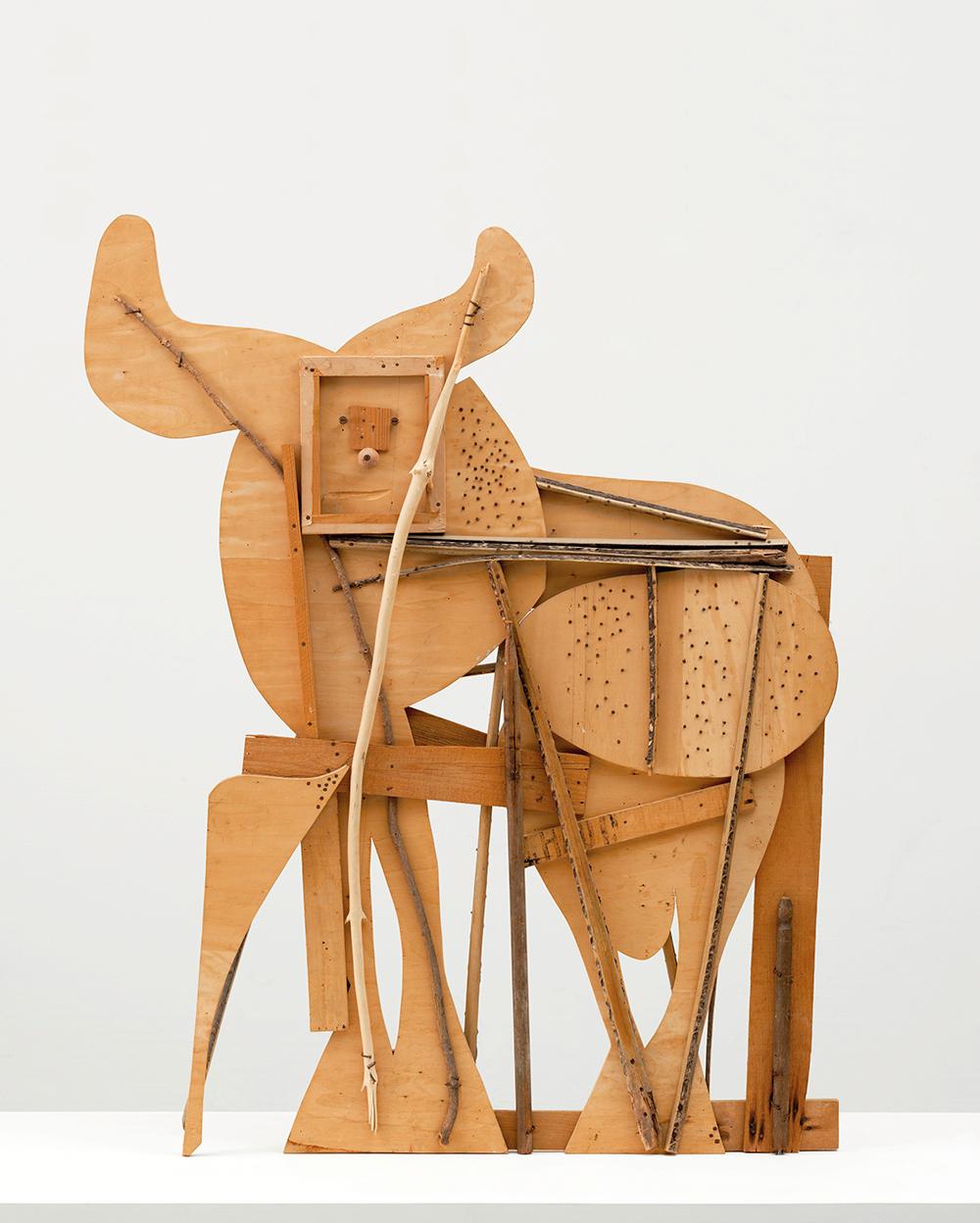 Toro. Escultura de madera donada por Jacqueline Roque, última esposa de Picasso al MoMA de Nueva York por su compromiso con la obra del artista.
