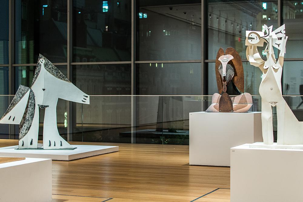 EN EL MOMA. Una sala de la exposición de Picasso en el museo neyorquino. Más de 140 esculturas conforman el recorrido que se exhibe hasta el 7 de febrero.