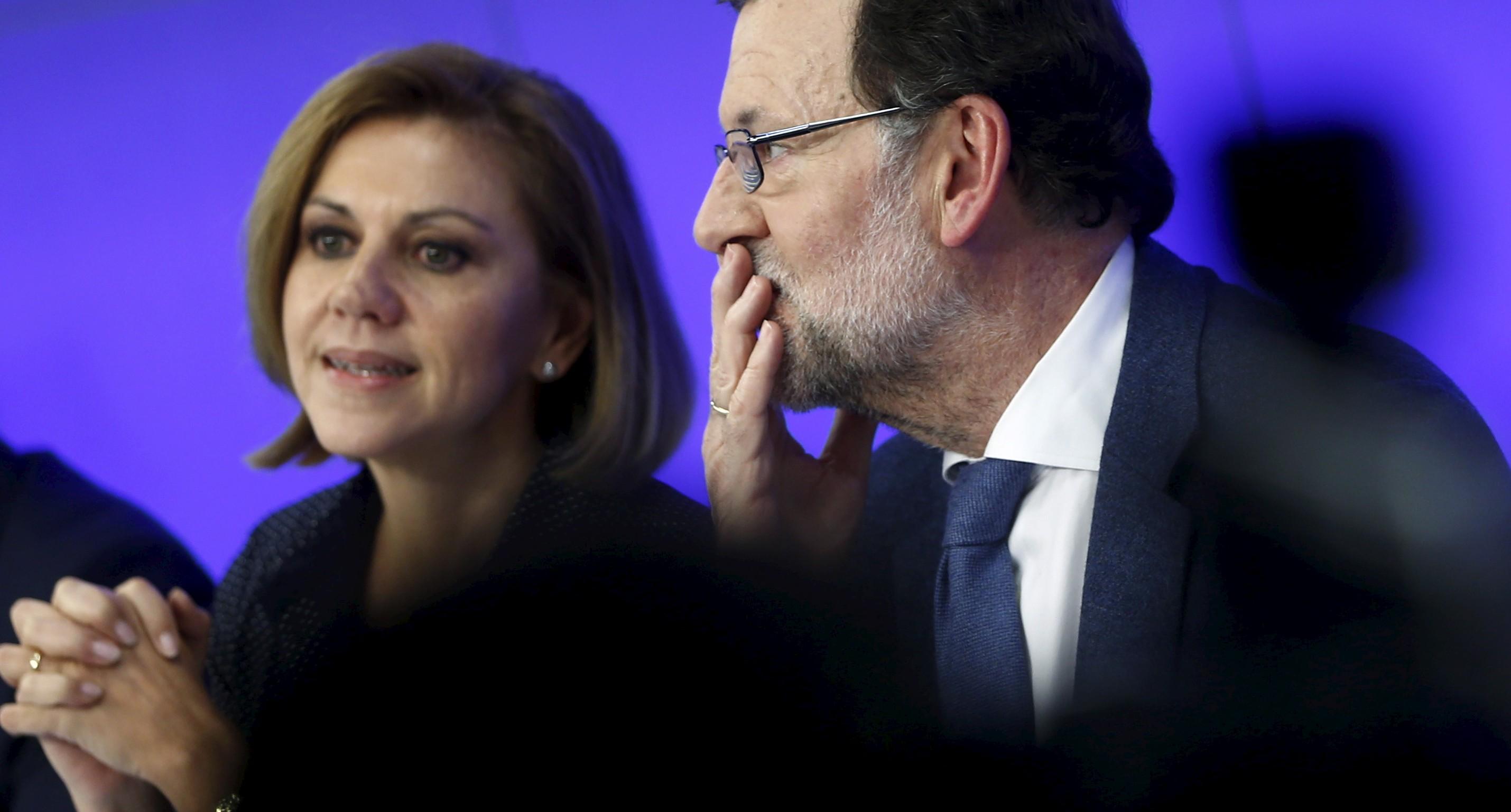 María Dolores de Cospedal y Mariano Rajoy.  Foto: Reuters