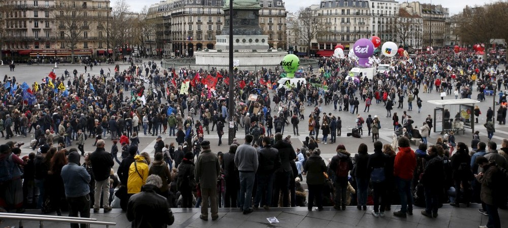 French labour union workers and students gather at Place de la Bastille during a demonstration against the labour law proposal in Paris, France, April 9, 2016. REUTERS/Charles Platiau - RTX297XG