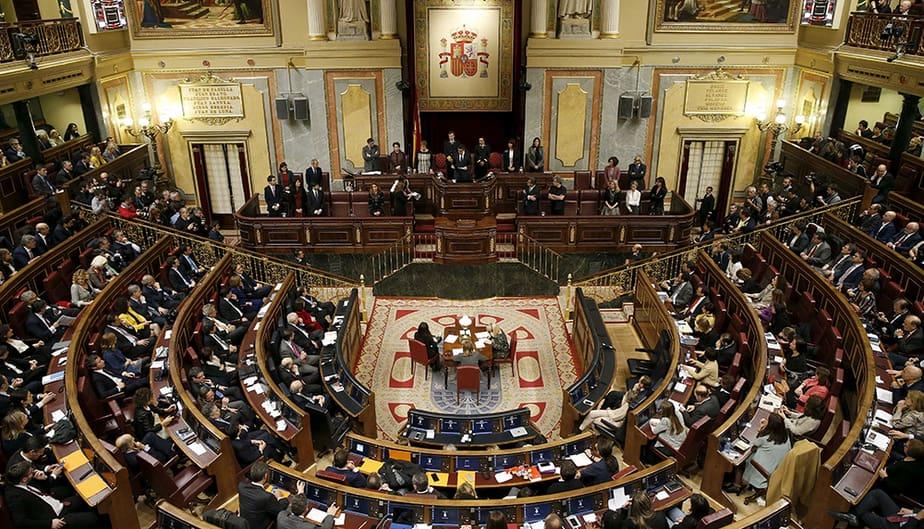La ley de eutanasia del PSOE recibió la luz verde del Congreso