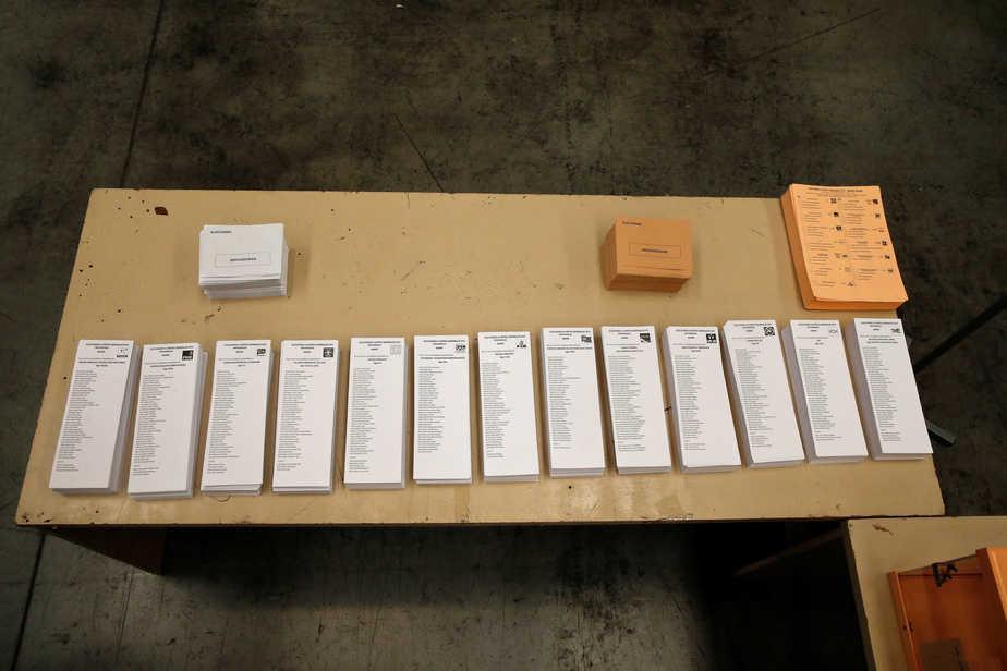 Campaña elecciones generales 26J papeletas urna. Foto: Reuters