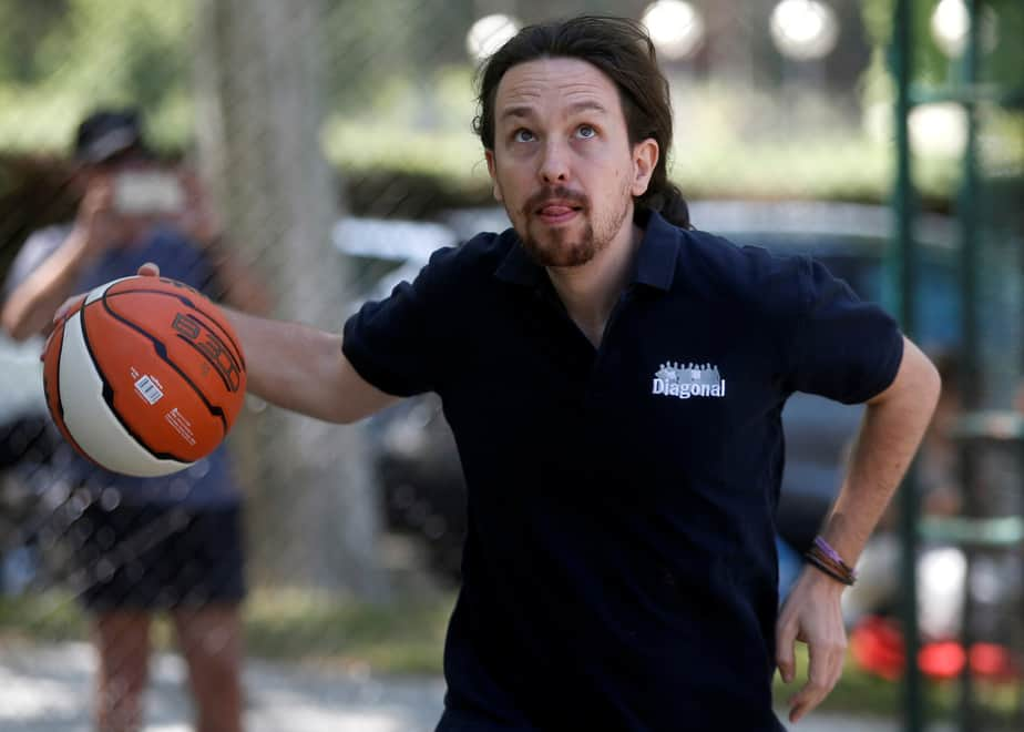 Podemos (We Can) leader Pablo Iglesias, plays ball on the eve of Spain's general election in Madrid, Spain, June 25, 2016. REUTERS/Javier Barbancho   - RTX2I4JM