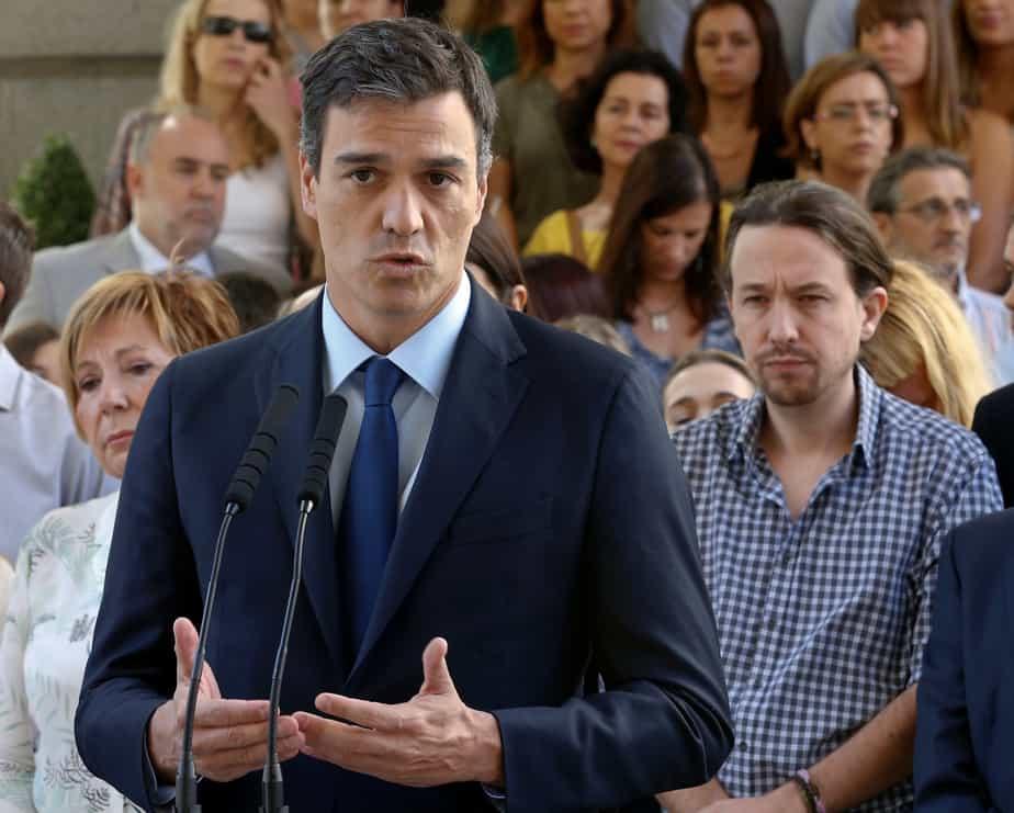 Pedro Sánchez y Pablo Iglesias. FOTO: Reuters