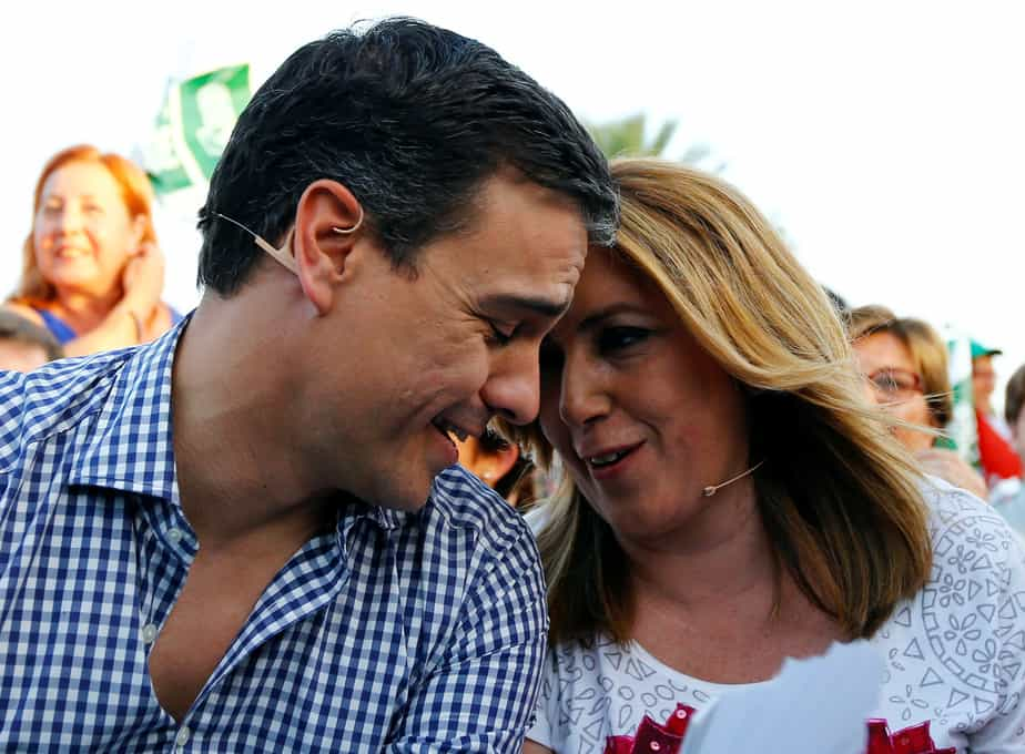 Spanish Socialist Workers' Party (PSOE) leader Pedro Sanchez (L) and Andalusia's regional government president Susana Diaz attend the final campaign rally ahead of the Spain's June 26 general election in the Andalusian capital of Seville, southern Spain, June 24, 2016.  REUTERS/Marcelo del Pozo   - RTX2I2N8