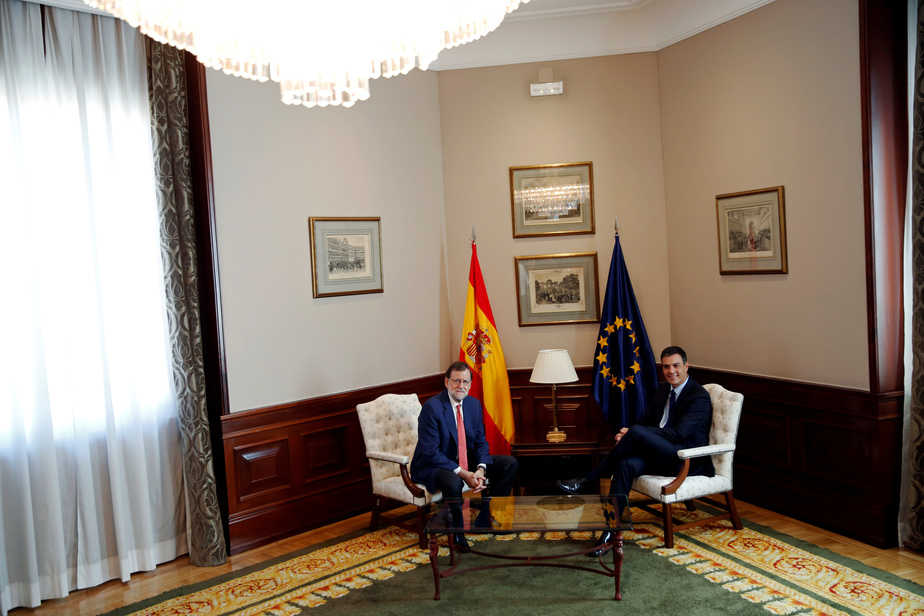 Reunión entre Mariano Rajoy y Pedro Sánchez el 2 de agosto de 2016. FOTO: Reuters