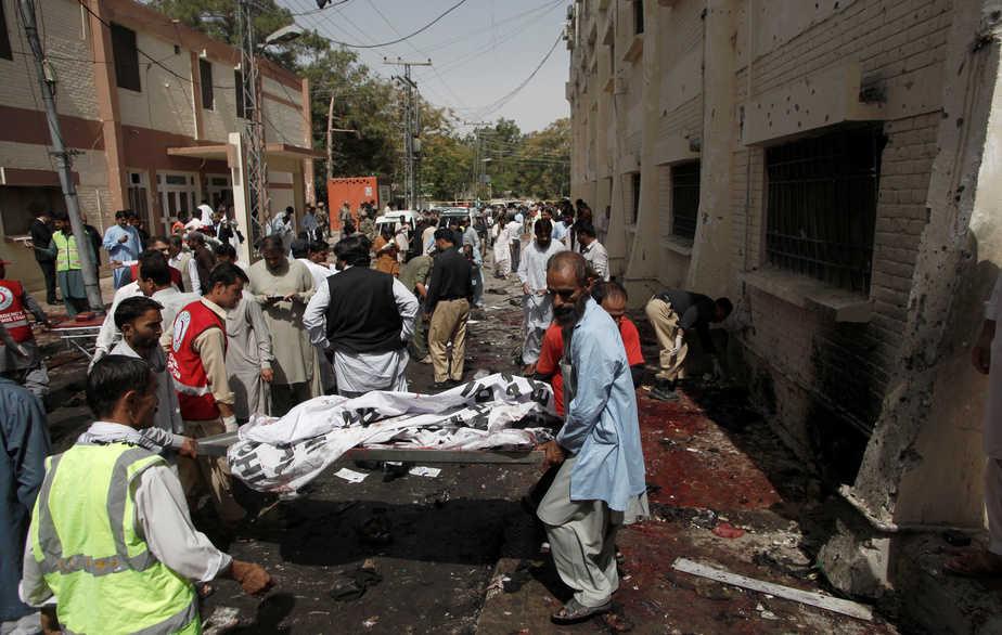 Atentado suicida en Pakistán.  Foto: Reuters