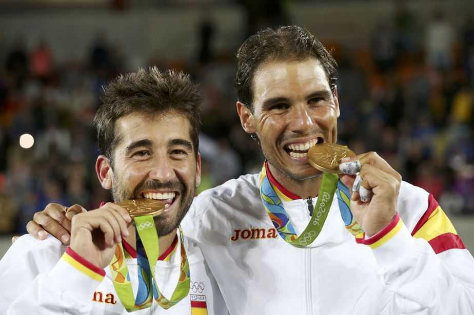 Rafa Nadal y Marc López ganan la medalla de oro en dobles masculino. Foto: Reuters