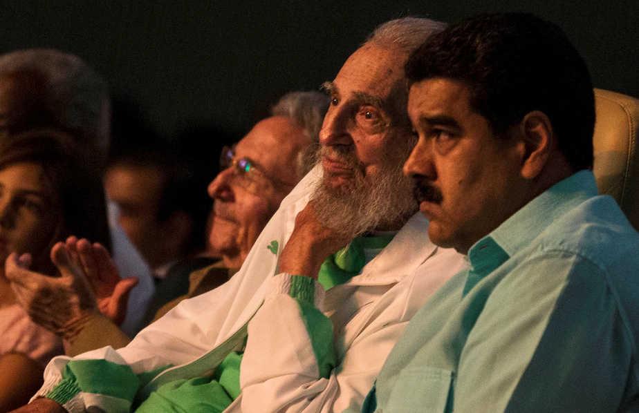 Raúl Castro, Fidel Castro y Nicolás Maduro. | Foto: Reuters