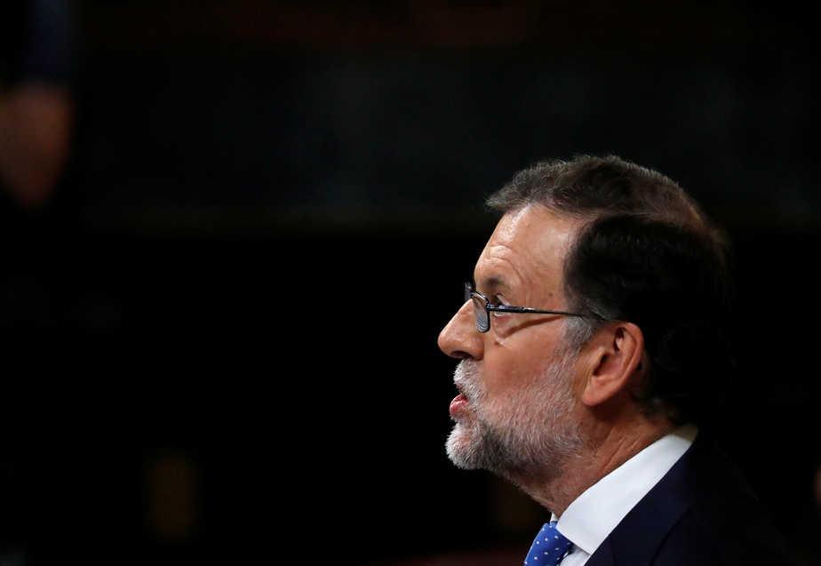Rajoy, durante la sesión de investidura. FOTO: Reuters