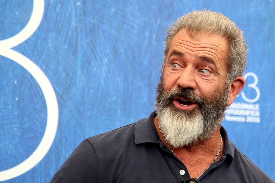 """Actor Mel Gibson attends the photocall for the movie """"Hacksaw Ridge"""" at the 73rd Venice Film Festival in Venice, Italy September 4, 2016. REUTERS/Alessandro Bianchi - RTX2O2OK"""