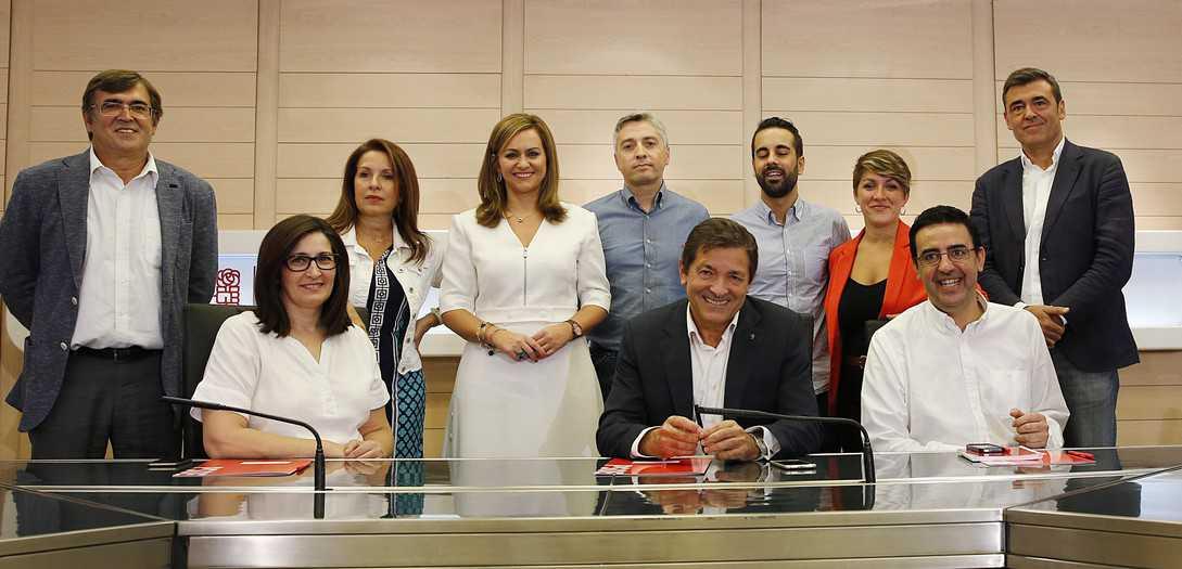 La nueva Comisión Gestora del PSOE. FOTO: Flickr PSOE