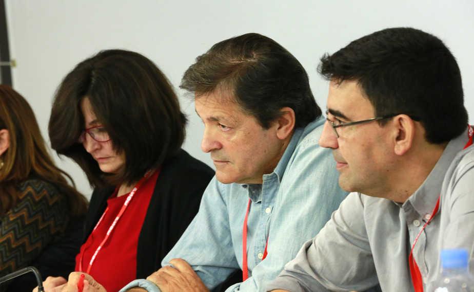 Javier Fernández y Mario Jiménez, en el Comité Federal del PSOE. FOTO: Flickr PSOE