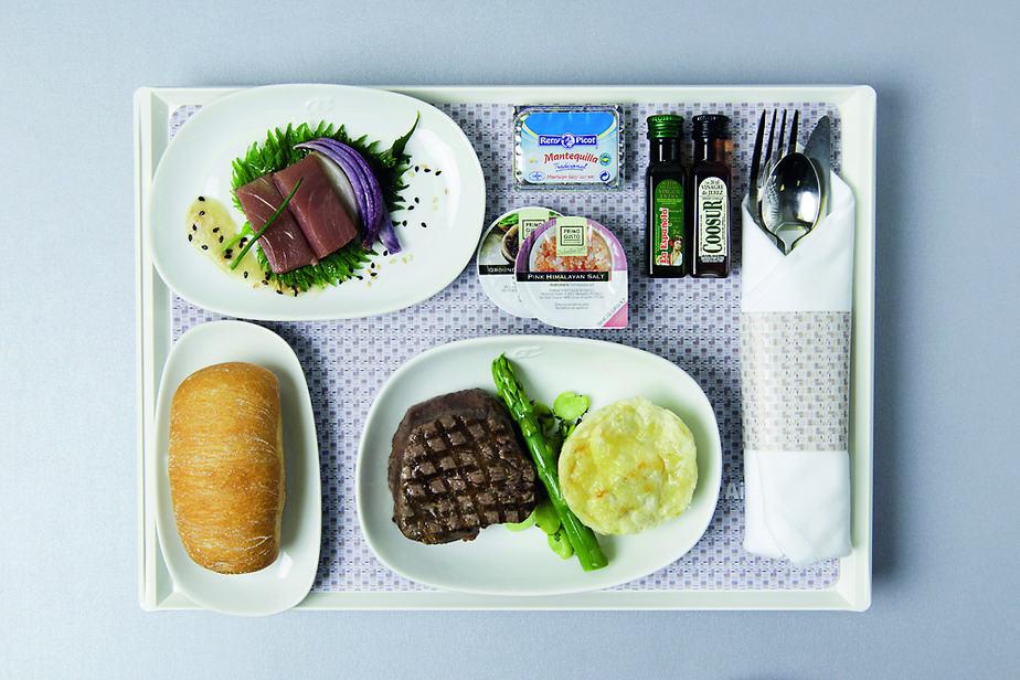 AIR EUROPA: Menús saludables y de producción ecológica en los vuelos de la aerolínea española.