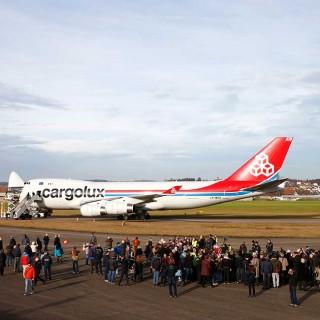 argolux presentó su Boeing 747, impulsado en parte por energía solar