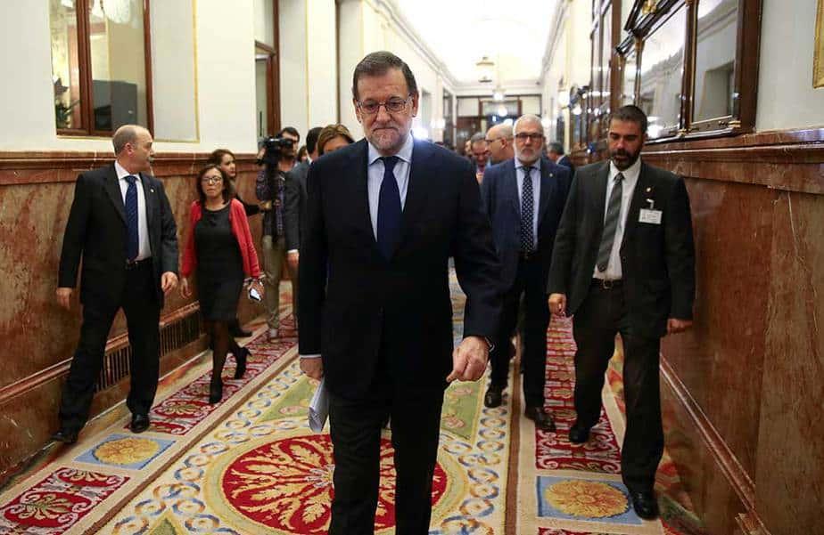 El Presidente del Gobierno español, Mariano Rajoy, entrando al parlamento español. REUTERS