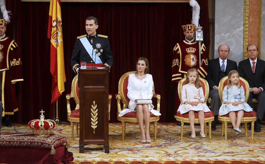 El Rey Felipe nada más tomar posesión de su cargo.  FOTO: Reuters