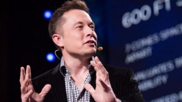 Elon Musk tiene una fortuna de 11 mil millones de dólares. Ha sido comparado con Tony Stark, el personaje de Marvel. | ted.com