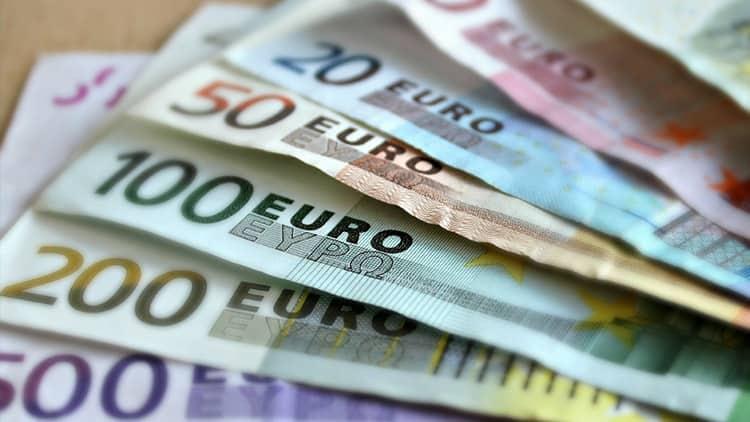 La moneda única sigue en caída