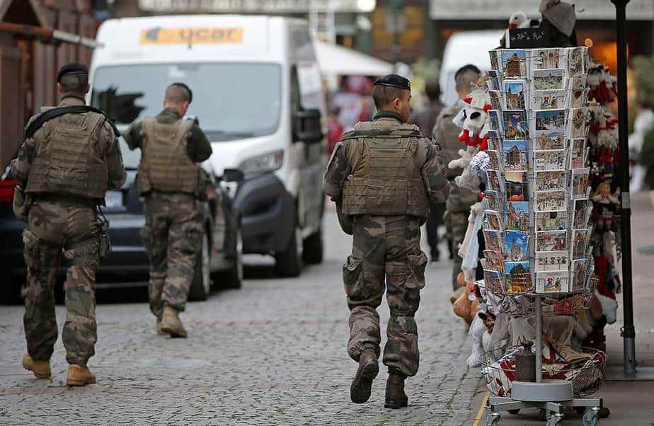 Policías en Estrasburgo, Francia