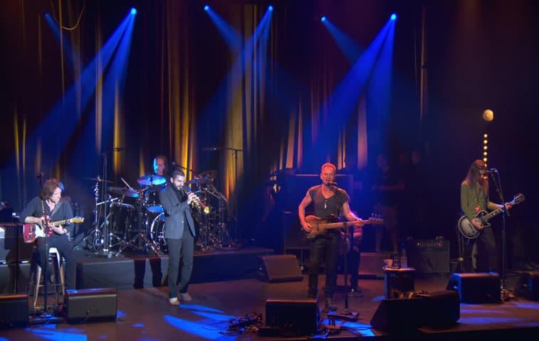 La sala de espectáculos Bataclan, principal escenario de las matanzas de los atentados de París del 13 de noviembre de 2015, reabrió sus puertas con un concierto de Sting entre estrictas medidas de seguridad. Foto: Reuters