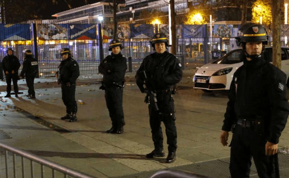 Policía París