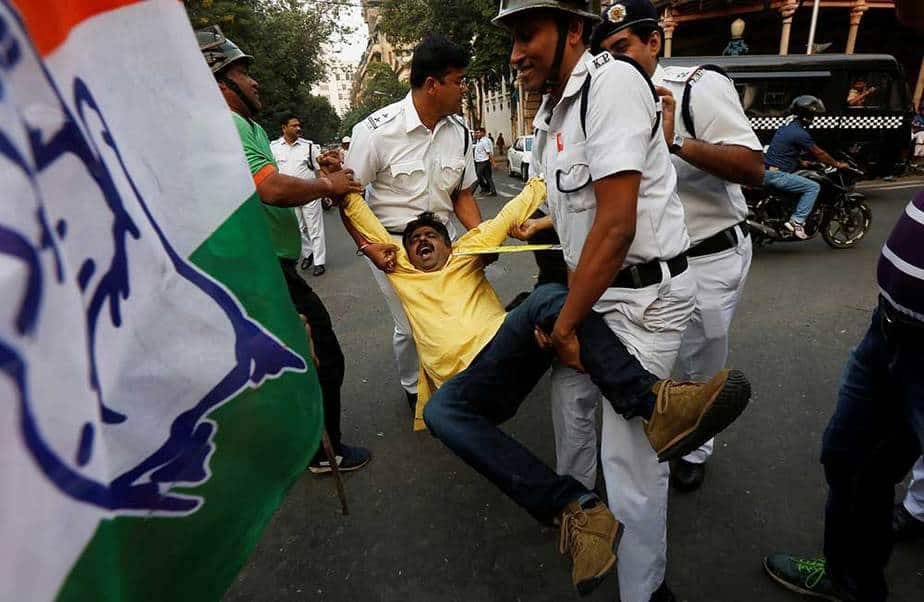 Manifestaciones contra salida de circulación de billetes