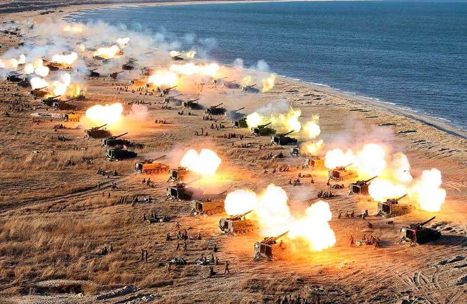 Simulacro de artillería en Corea del Norte
