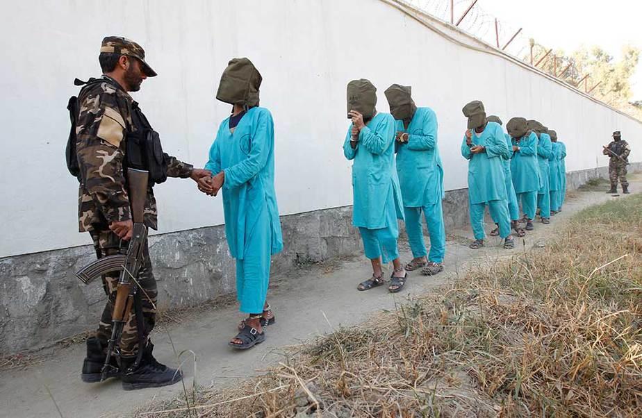talibanes detenidos en Afganistán