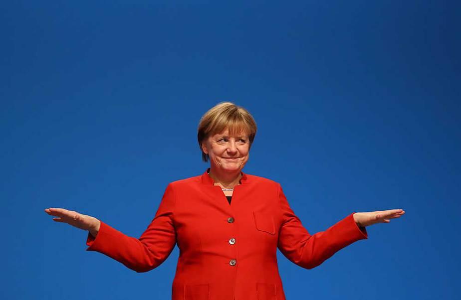 Angela Merkel econ su partido