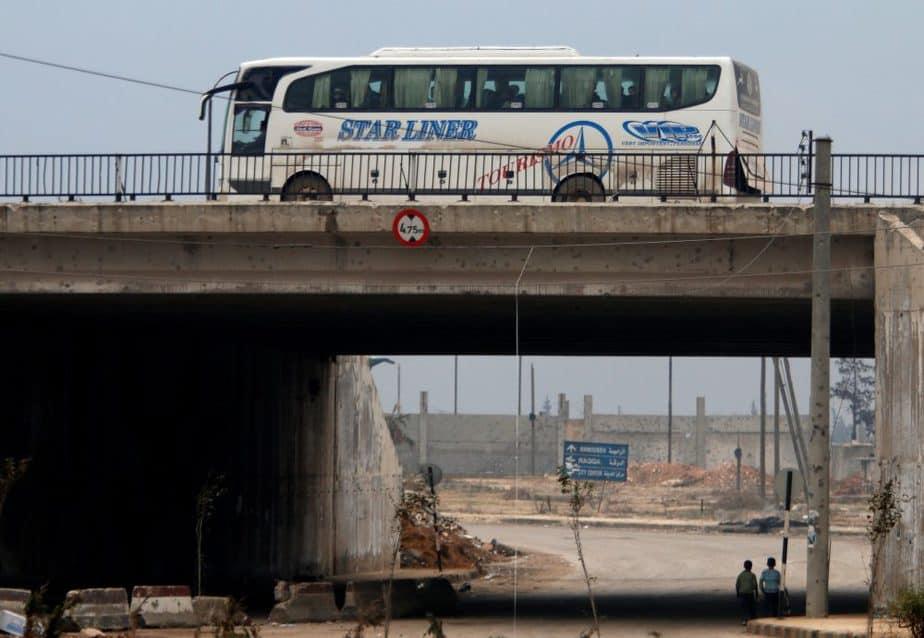 Bus en Alepo.  FOTO: Reuters
