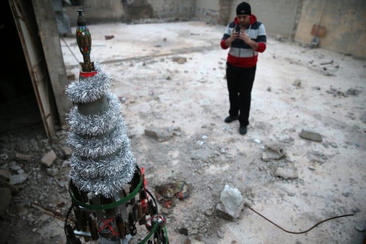 Cristianos pidieron por el fin de la guerra en Siria, en su primera celebración desde 2012, tras el asedio terrorista (Reuters)