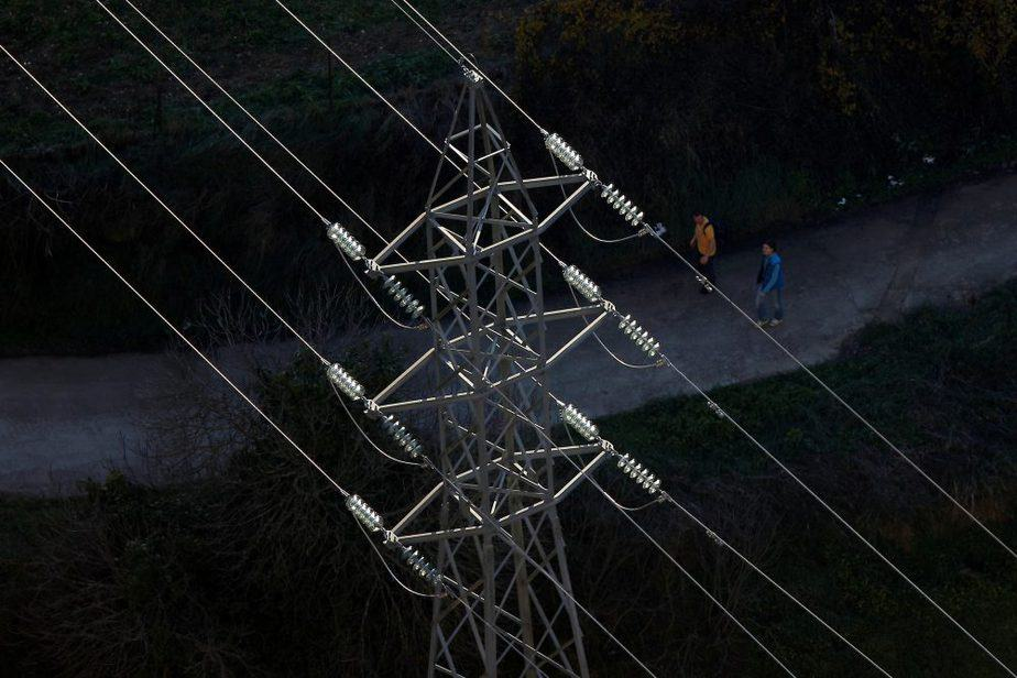 Poste de electricidad. FOTO: Reuters