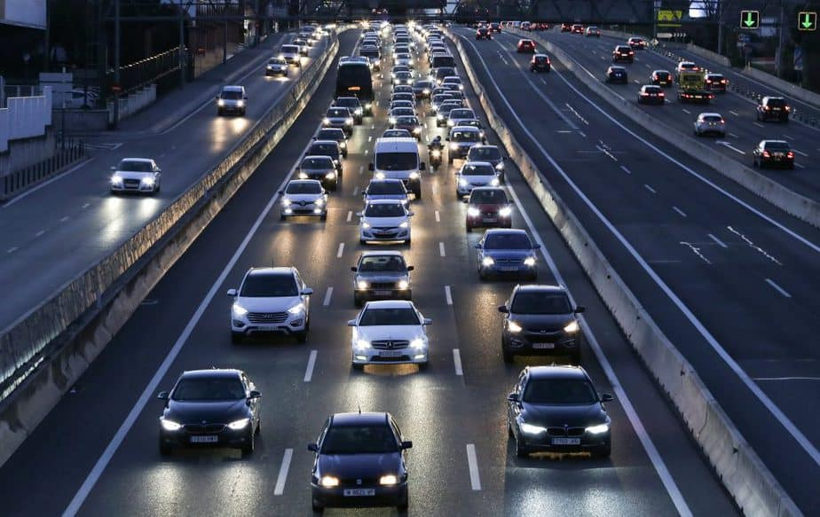 El tráfico en una carretera española. FOTO: Reueters