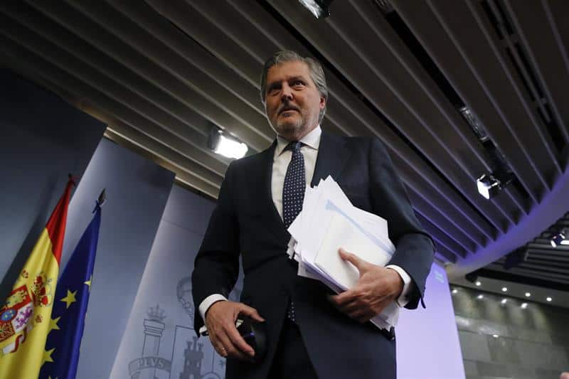 El portavoz del Gobierno, Íñigo Méndez de Vigo asegura que el castellano se incluirá en la educación catalana.