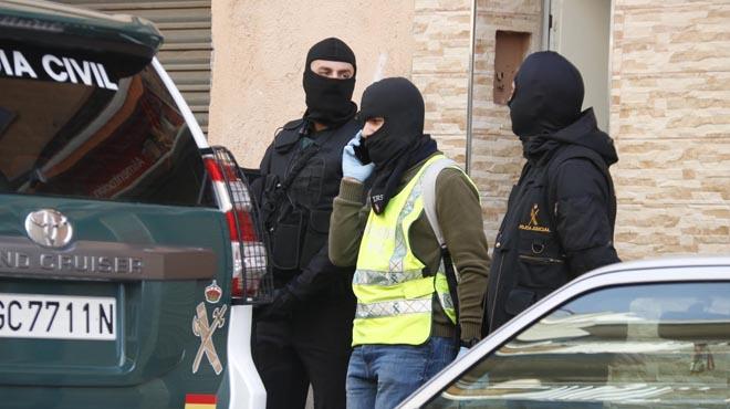 Badalona 07/02/2017 Detenidos en Badalona dos marroquís acusados de adoctrinamiento y captación yihadista foto JORDI PUJOLAR/ACN