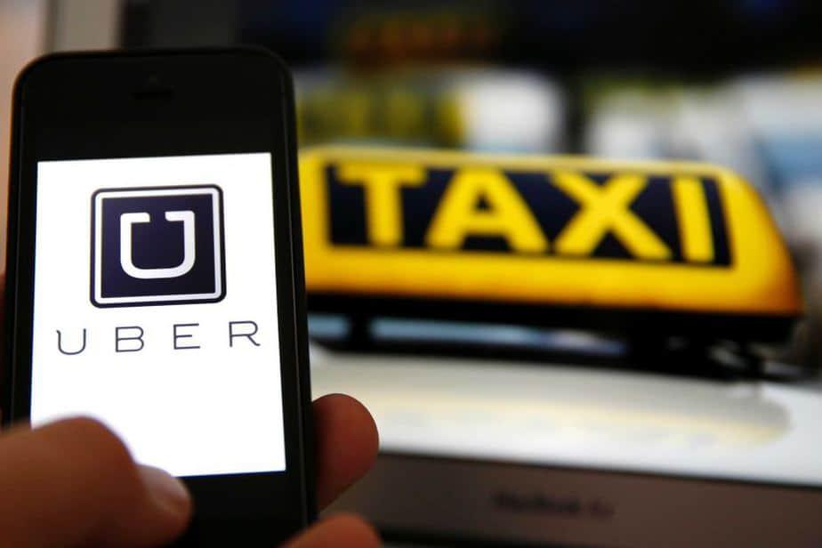 Batalla entre Uber y los taxistas.