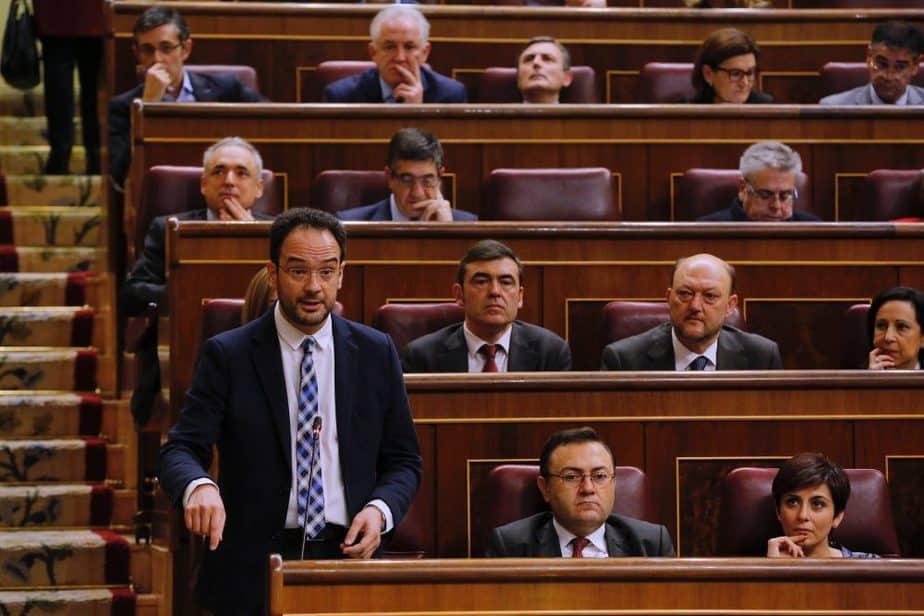 El Grupo Parlamentario Socialista con su portavoz, Antonio Hernando. FOTO: Flickr PSOE