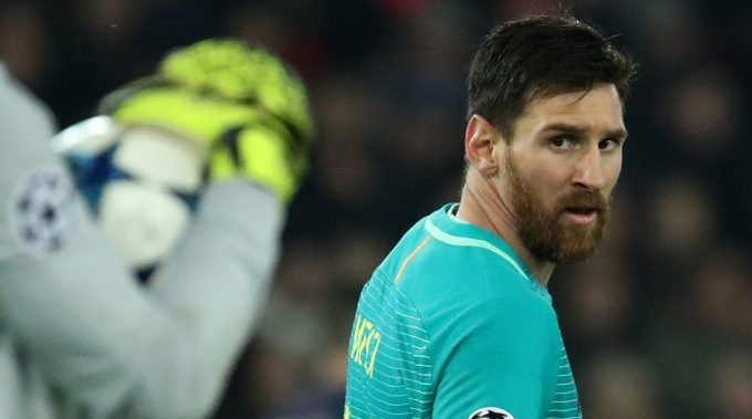 Football Soccer - Paris St Germain v Barcelona - UEFA Champions League Round of 16 First Leg - Parc Des Princes, Paris, France - 14/2/17 Barcelona's Lionel Messi  Reuters / Christian Hartmann Livepic - RTSYP4K