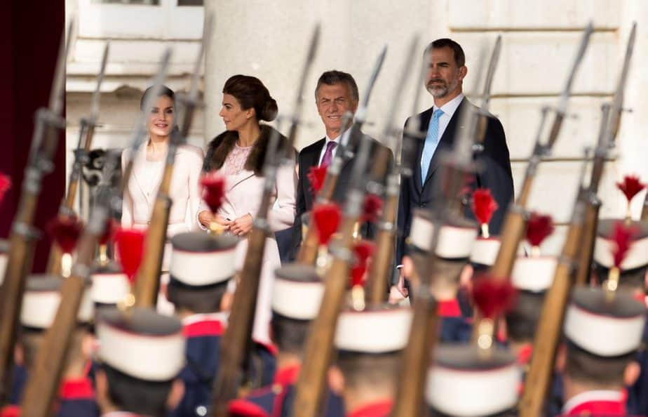 Spain's Queen Letizia, Argentina's first lady Juliana Awada, Argentina's President Mauricio Macri and Spain's King Felipe (L-R) attend a military parade during the welcoming ceremony at Royal Palace in Madrid, Spain February 22, 2017. REUTERS/Sergio Perez - RTSZRLN