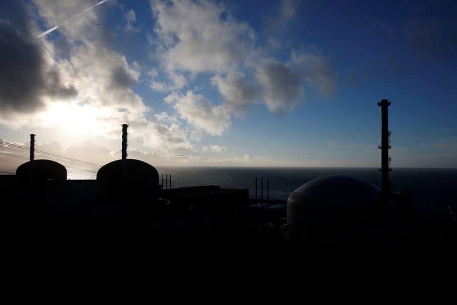 Imagen de archivo de la central nuclear de Flamanville, al norte de Francia. FOTO: Reuters