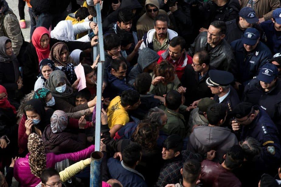 Refugiados en Atenas. FOTO: Reuters